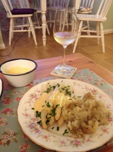 Spargel with Hollendaise, Potatoes and Riesling