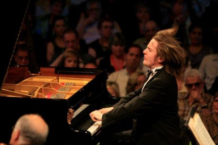 Daniil Trifonov in action